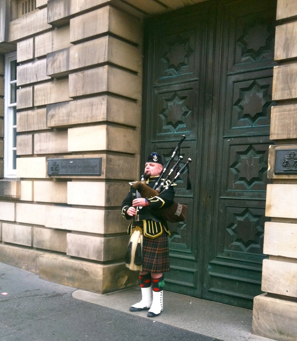 Scotland, Edinburgh, Royal Mile, Bagpipes